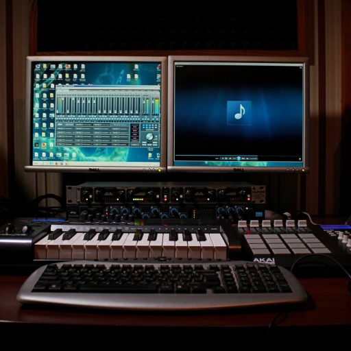 cropped-xprsn-studio-2.jpg